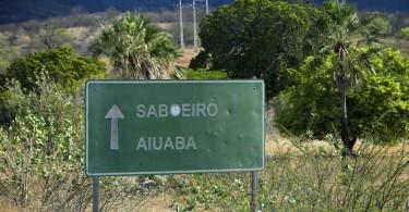 Estrada saindo de Meruoca com destino a Aiuaba pra o lanamento do filme Amor e Renœncia.